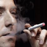 たばこを吸う人の口臭は特に臭い!息が臭くなる原因と対策