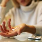 睡眠導入剤で口臭がおきる!薬が口の乾き、舌苔、膿栓の原因になる