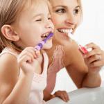 口臭がする人としない人の違いとは…症状・体質・生活習慣の違い