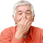 舌苔がびっしりと…口臭もすごいです/厚い苔が出来る原因と対策